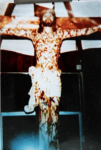 Jesus sur sa Croix